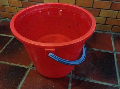 Disaster prevention bucket