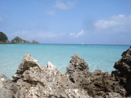이시가키 섬 바위와 바다