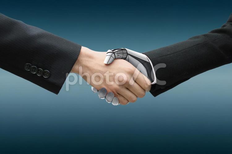 AIと人間の握手の写真