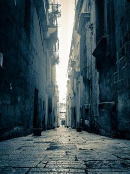 Valletta back alley