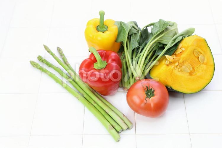 ビタミンカラーの野菜3の写真