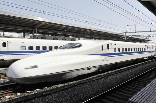 Shinkansen pass through Toyohashi Station