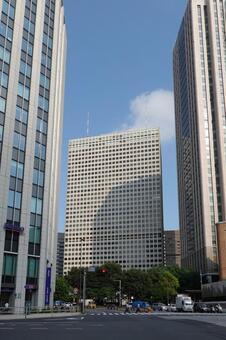 도라 노몬 교차로에서 일본 최초의 초고층 빌딩