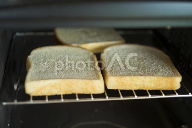 パンを焼くの写真