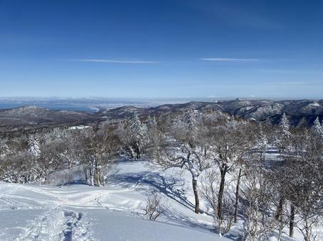 Beautiful winter scenery from Asaridake