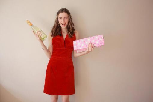 用香槟酒瓶7女子