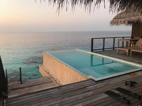 Pool in Maldives room (evening)