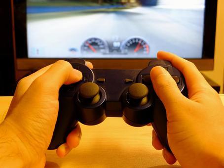 비디오 게임을 혼자 놀이
