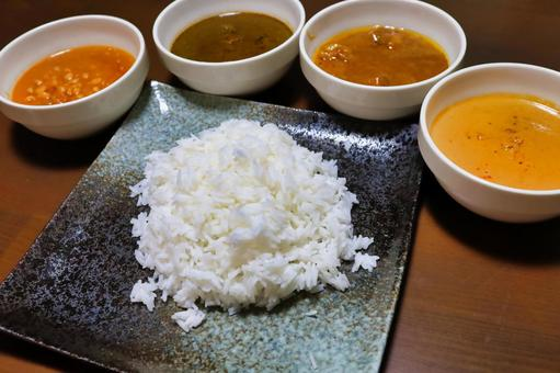 4 kinds of curry and high-class rice
