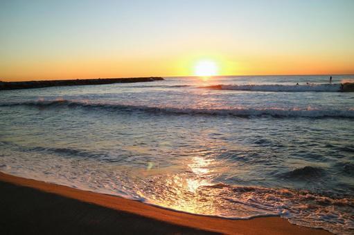 美麗的地中海日出