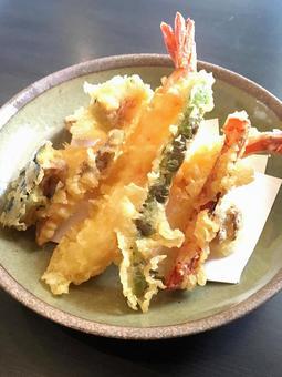 Deep fried tempura. 02
