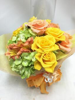 Yellow gradation mini bouquet