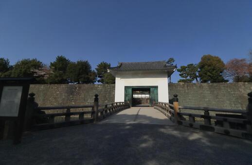 교토의 니조에있는 혼 마루 櫓門입니다