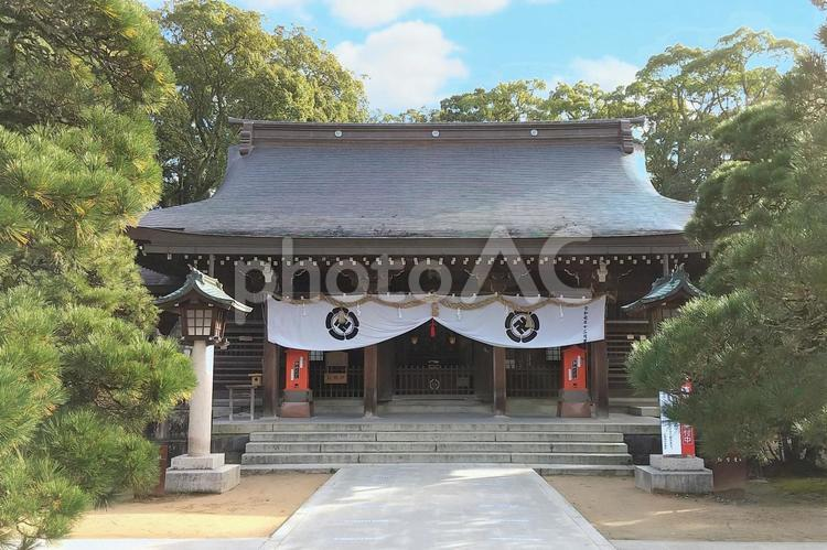 松陰神社の本殿の写真