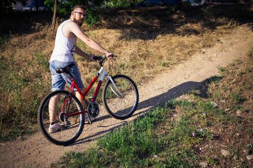 人骑自行车24