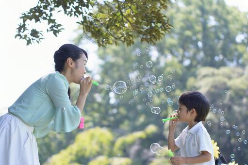 Maternal and child 32 bubbles 2
