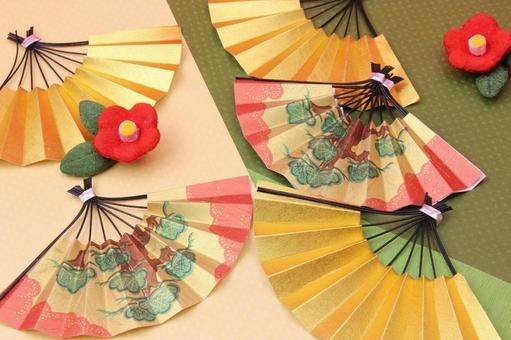Folding fan and plum blossom