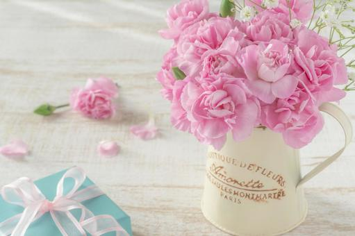 Pink carnation arrangements and gifts