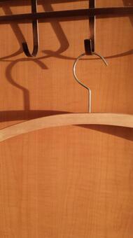 Hanger ①