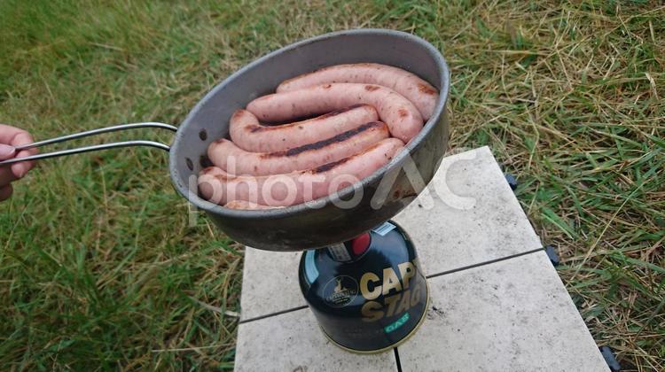キャンプの朝食の写真