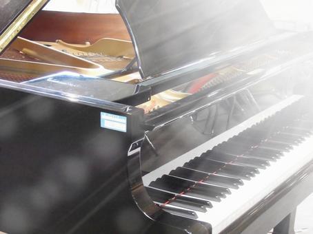 School piano 03