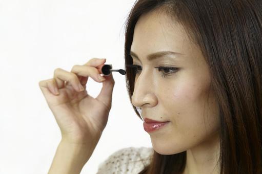 婦女粉刷睫毛膏5
