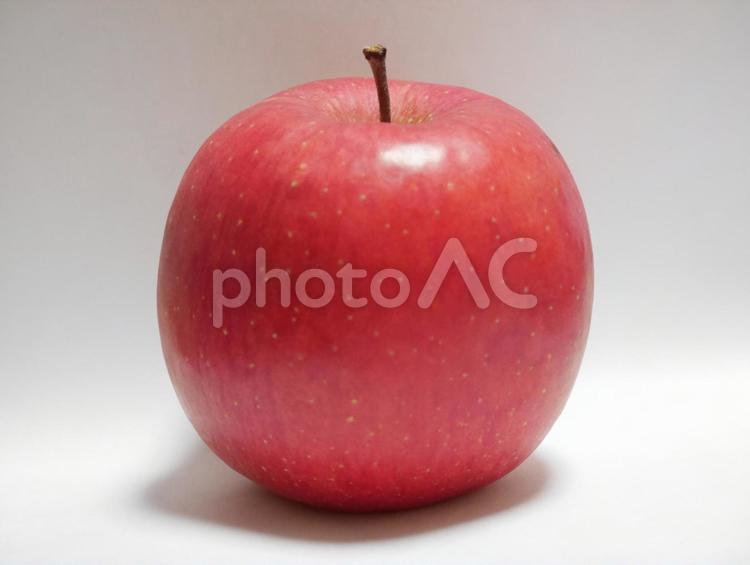 りんご1個の写真
