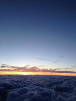 Sunrise from Mt. Fuji and the sea of clouds
