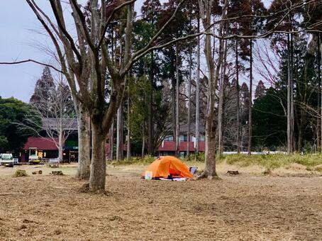 Winter camp solo camp