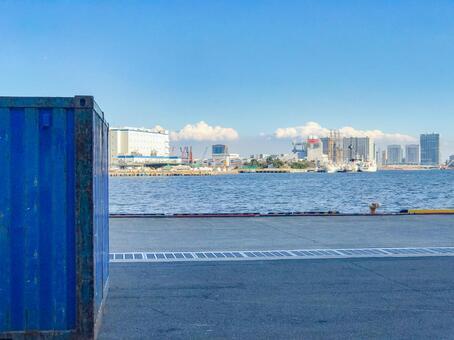 Tokyo Bay container