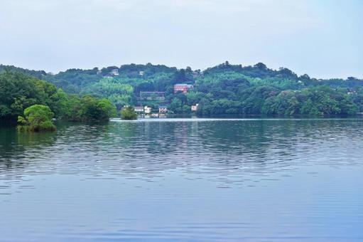 Cool breeze Summer scenery Lake Ippeki Izu's eyes Blue eyes Reflection Ripples Ripples