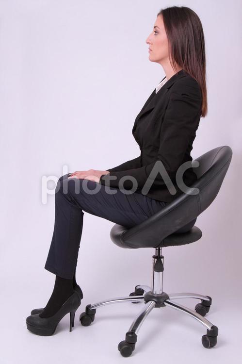 外国人女性スーツ姿46の写真