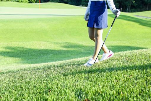 Women who play golf 9