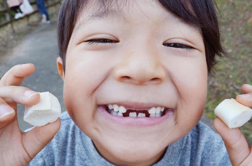 孩子掉牙了