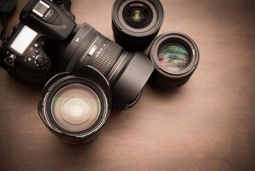 Single lens reflex and lens