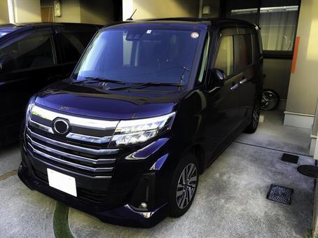 Compact car Toyota Roomy