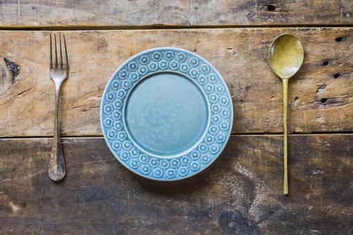 Wooden desk_Scandinavian tableware_cutlery
