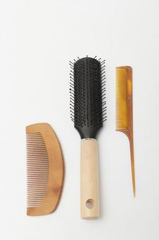 Comb and brush 2