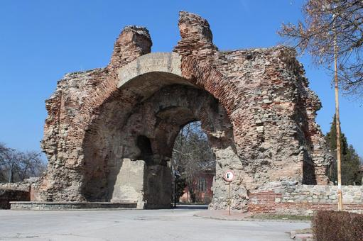 Fortress ruins of late ancient Rome