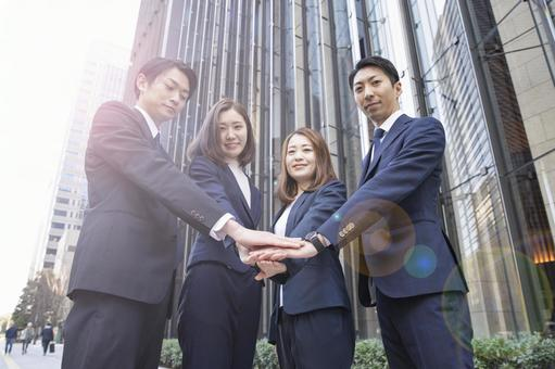 Business scene ・ Business team of 4 people