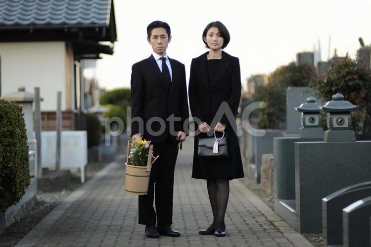 礼服の男女3の写真