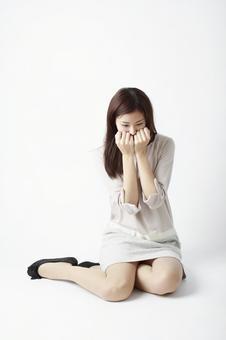 Sitting woman 11
