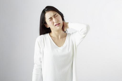 Japanese women suffering from shoulder stiffness 5