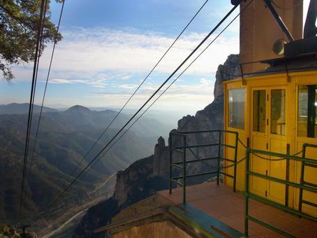 西班牙巴塞羅那蒙特塞拉特的纜車