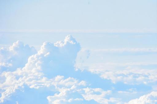 하와이 상공의 새하얀 구름