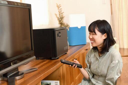 「テレビ 見る 無料画像」の画像検索結果