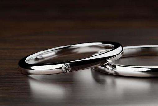 Wedding ring up