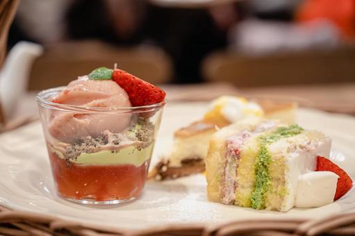 스위트 케이크와 아이스크림 파르페