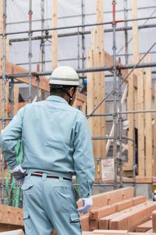 On-site supervision watching the pillars of the tree of newly constructed houses under construction