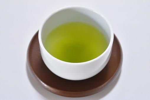 Green tea (background white)